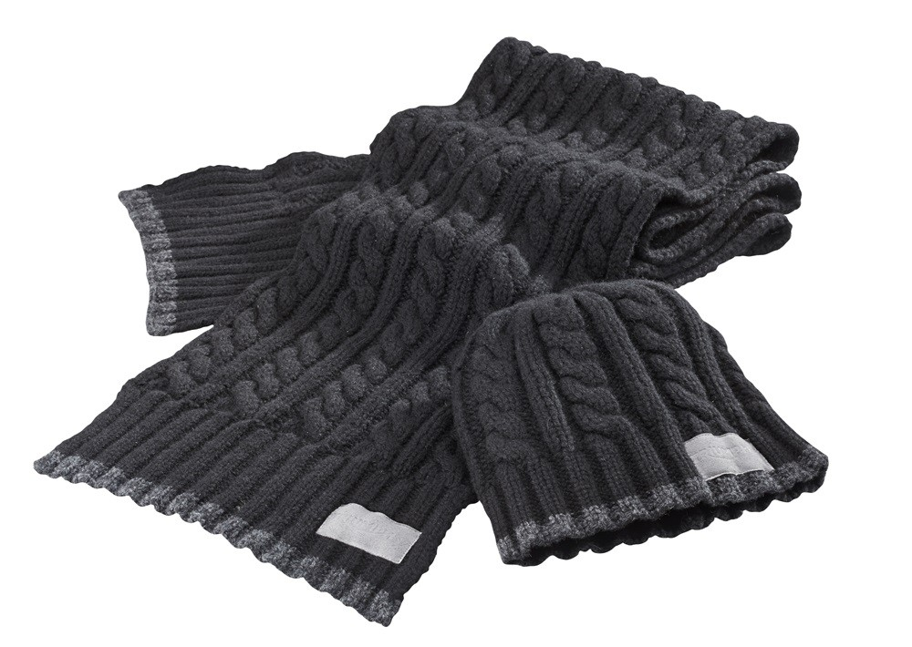 TRIUMPH Knitted Scarf & Hat