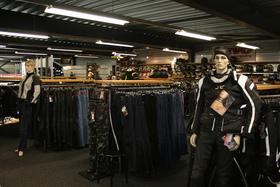 Motorcentrum Rijen motor kleding shop
